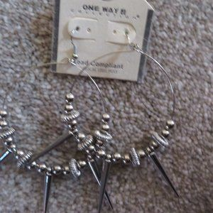 HOOP  EARRINGS - SPIKES W/ BEADS IN SILVERTONE